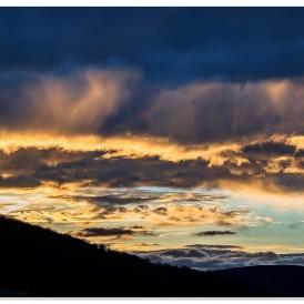 """""""Der Himmel brennt""""- , von Jürgen Willand Canon EOS 6 D II - HDR 5 Aufnahmen 1/1250 - 1/80 secs - f/5,6 - ISO 400 - 75 mmmm"""